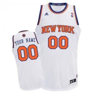 New York Knicks Personnalisé Adidas Home Blanc Maillot d'équipe de NBA préférentiel - Swingman pour Homme