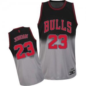 Maillot Authentic Chicago Bulls NBA Fadeaway Fashion Gris noir - #23 Michael Jordan - Homme