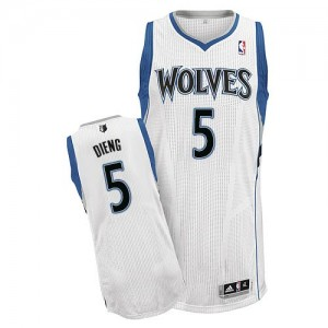 Minnesota Timberwolves #5 Adidas Home Blanc Authentic Maillot d'équipe de NBA Magasin d'usine - Gorgui Dieng pour Homme