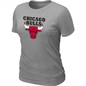 T-shirt principal de logo Chicago Bulls NBA Big & Tall Gris clair - Femme