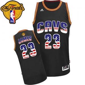 Maillot NBA Cleveland Cavaliers #23 LeBron James Noir Adidas Swingman USA Flag Fashion 2015 The Finals Patch - Homme